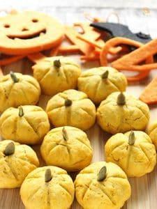 ハロウインにぴったりなおやつ☆かぼちゃの形のかぼちゃクッキー