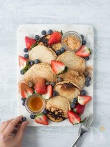 いちごとブルーベリーのパンケーキ