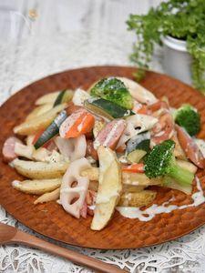 フライドポテトの根菜ゴルゴンゾーラソース