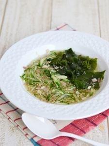 きゅうりとわかめの冷製スープ