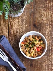 ひよこ豆の醤油ココナッツオイル炒め。