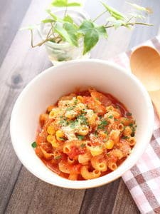 朝パスタに推奨!トマトチーズのパスタ