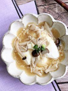 おぼろ豆腐のとろとろ湯葉きのこあんかけ