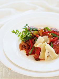 煮込みトマト・チーズハンバーグ