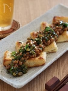 ニラ納豆のせ焼き油揚げ