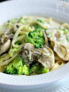 牡蠣とブロッコリーのクリームパスタ