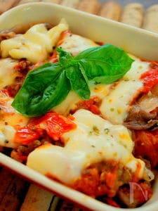 自家製トマトソースで・・・ピッツァイオーラ