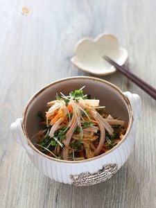 切干大根とハムの中華風和え物