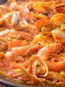 最短15分!トマトと魚介のパスタパエリア