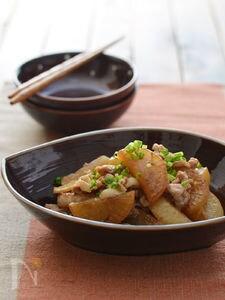 焼き大根と豚肉の煮もの。