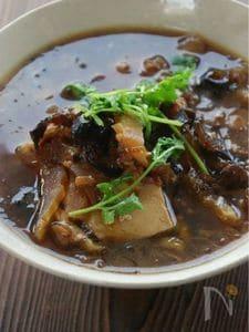 タイ風揚げねぎと豆腐のスープ