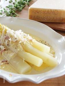 ホワイトアスパラガスのチーズクリームソース