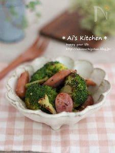 簡単副菜*ブロッコリーとウインナーの粒マスタード炒め*