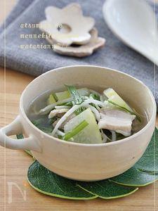 疲労回復☆からだ喜ぶ豚ニラ冬瓜スープ