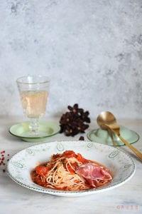 赤だけど白だし味のトマト冷製パスタ