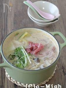【アーモンドミルク】豚肉と白菜のアーモンドミルク鍋