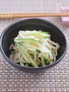 大根ときゅうりの薄味サラダ