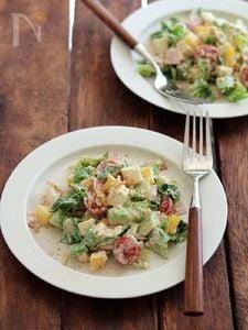コブサラダ風チョップドサラダ。