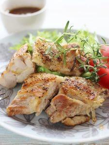 チキンステーキ、ハニーオニオンソース
