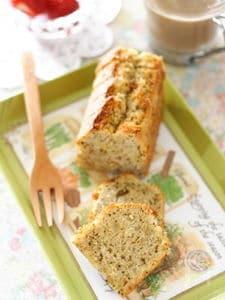 紅茶とレモンピールのバターケーキ