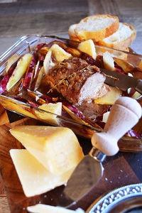 梨汁で柔らかくパルミジャーノ皮の出汁が染みた特製鴨ロースト