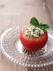 押し麦のサラダ入りトマトのファルシ