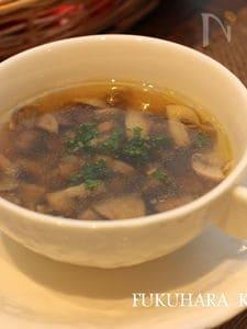 たっぷりきのことにんにくのスープ