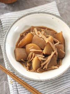 大根とこんにゃくの豆みそ煮