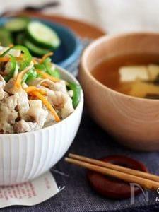 豚肉の旨味が調味料♡豚バラとピーマンの塩きんぴらで茶碗丼♡