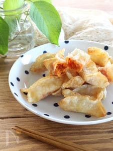 簡単おつまみ、キムチチーズ揚げ餃子。