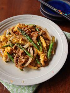 アスパラガスと豚肉のピリ辛炒め