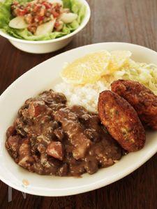 味付けは塩だけ!ブラジルの肉と豆の煮込み、フェジョアーダ