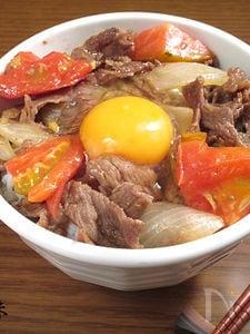 トマトのさっぱりすき焼き丼