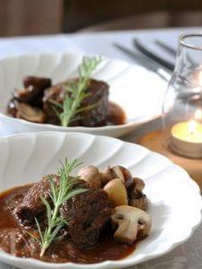 鹿肉の赤ワイン煮込み 八丁みそ仕立て