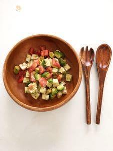 水切りお豆腐入り♪アボカドとトマトのサラダ