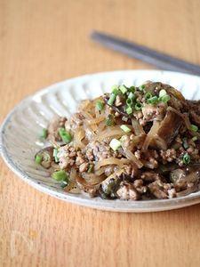豚ひき肉とマロニーの豆鼓炒め