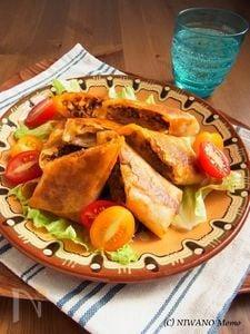 ひよこ豆とひき肉のスパイシーチーズ焼き春巻き
