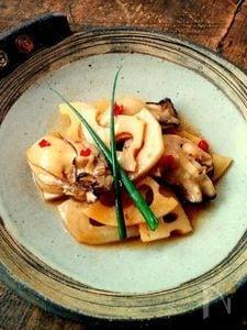オイスターソースにおまかせ♪ 簡単!牡蠣とれんこんの蒸し煮