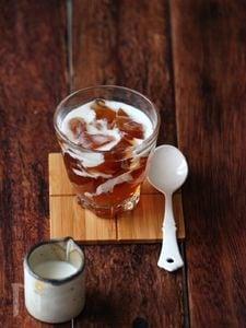 ほうじ茶ゼリー。ミルクソース。
