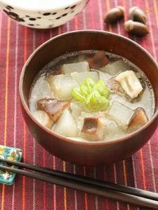 キノコの旨みたっぷり冬瓜スープ