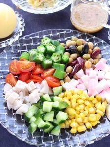 お豆とオクラとコーンのサラダ 梅わさびドレッシング添え