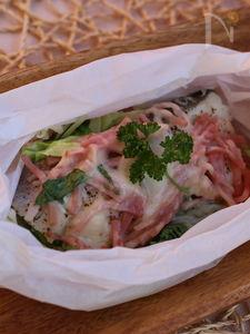 塩タラと野菜のチーズがけクッキングシート包み