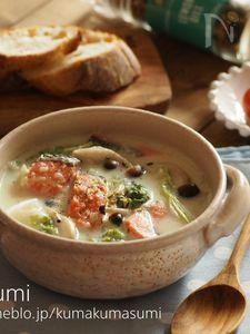 レンジ活用!レンチン玉ねぎの白菜と鮭のクリームスープ