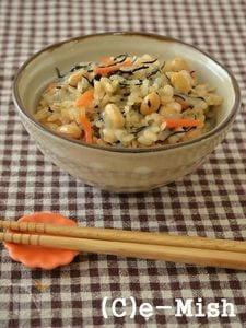【餅アレンジ】ひじきと大豆のおこわ風炊き込みごはん