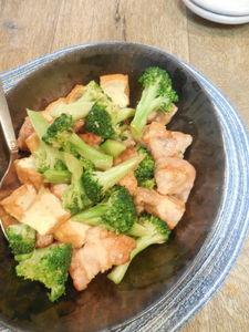 【厚揚げでボリュームup】豚肉とブロッコリーのオイスター炒め