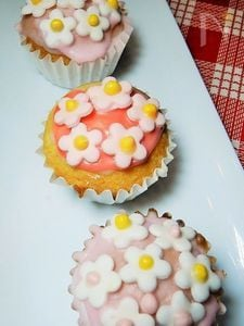 花咲くカップケーキ