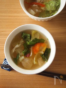 カット野菜で!オイスター風味のサラダスープ