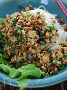 豆腐のピリ辛ジャジャうどん