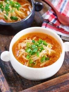 お鍋で3分♪『もやしのうま辛♡スタミナ味噌スープ』