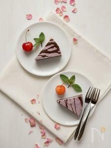 ラズベリーとカカオのローチーズケーキ